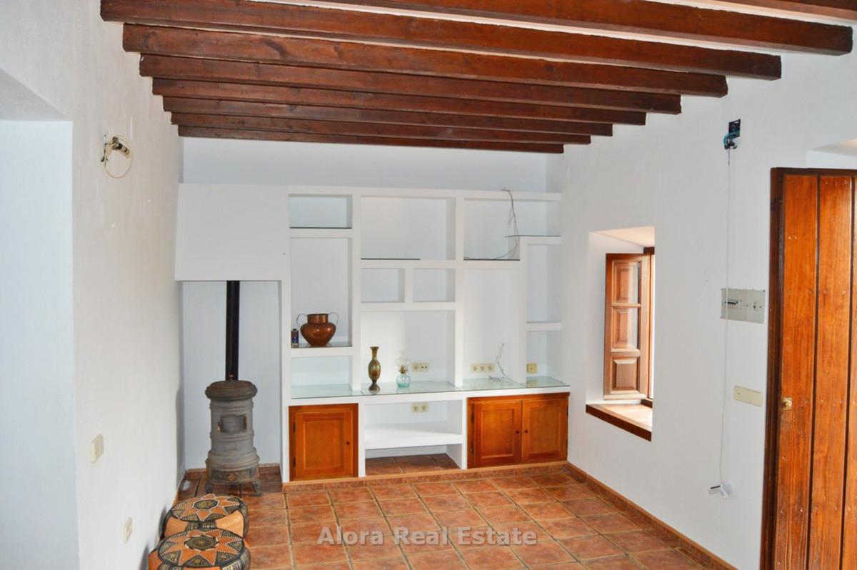 House in Alora R2559101 6
