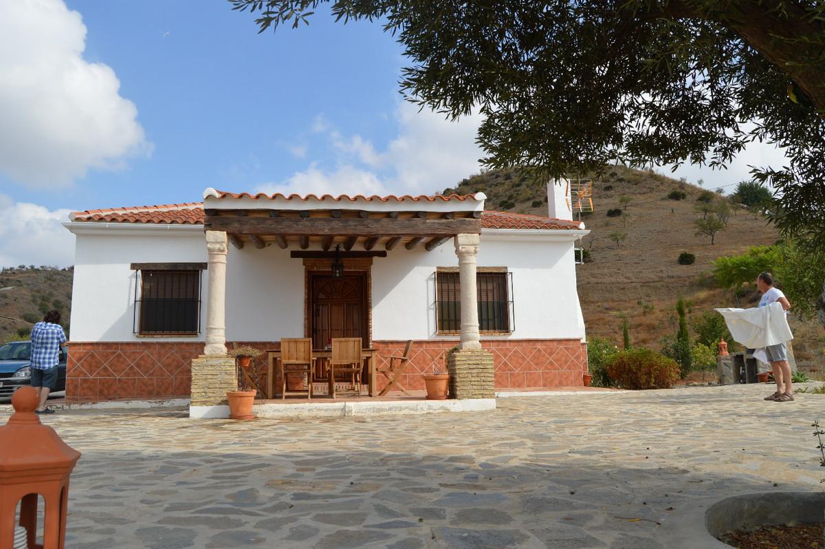 Beautiful 2 bedroom villa near Cartama Estation.  This villa is situated on a plot of 15,000 m2 plan,Spain