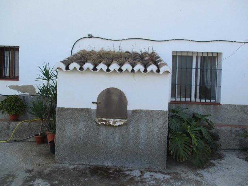 House in Alora R3291688 18