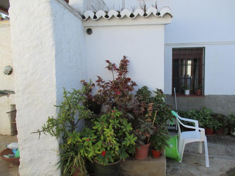 House in Alora R3291688 21
