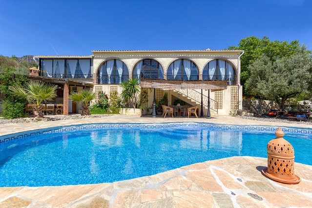 Very spacious stylish characterful country house enjoying stunning rural location between the pueblo,Spain