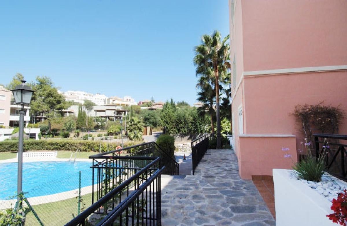 Spacious 151m2 bank repossession apartment built in the Marbella River Garden Urbanization, in MarbeSpain