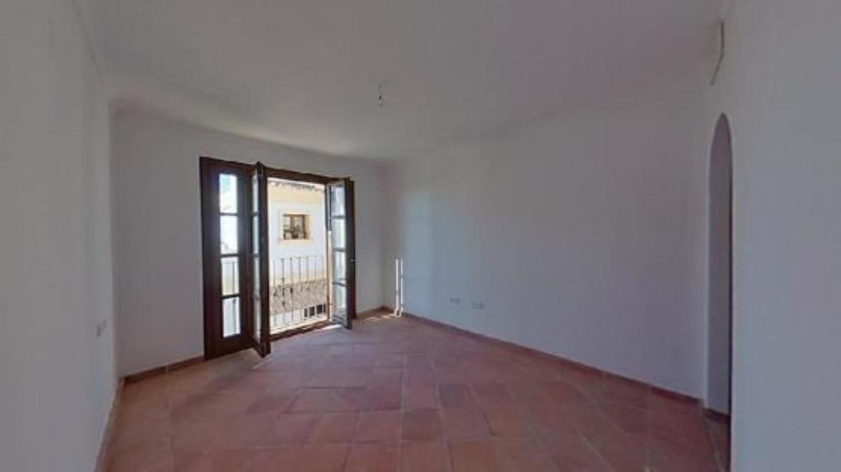 Apartment in Benahavis