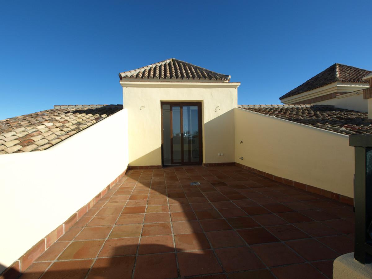 Townhouse Terraced in La Mairena, Costa del Sol