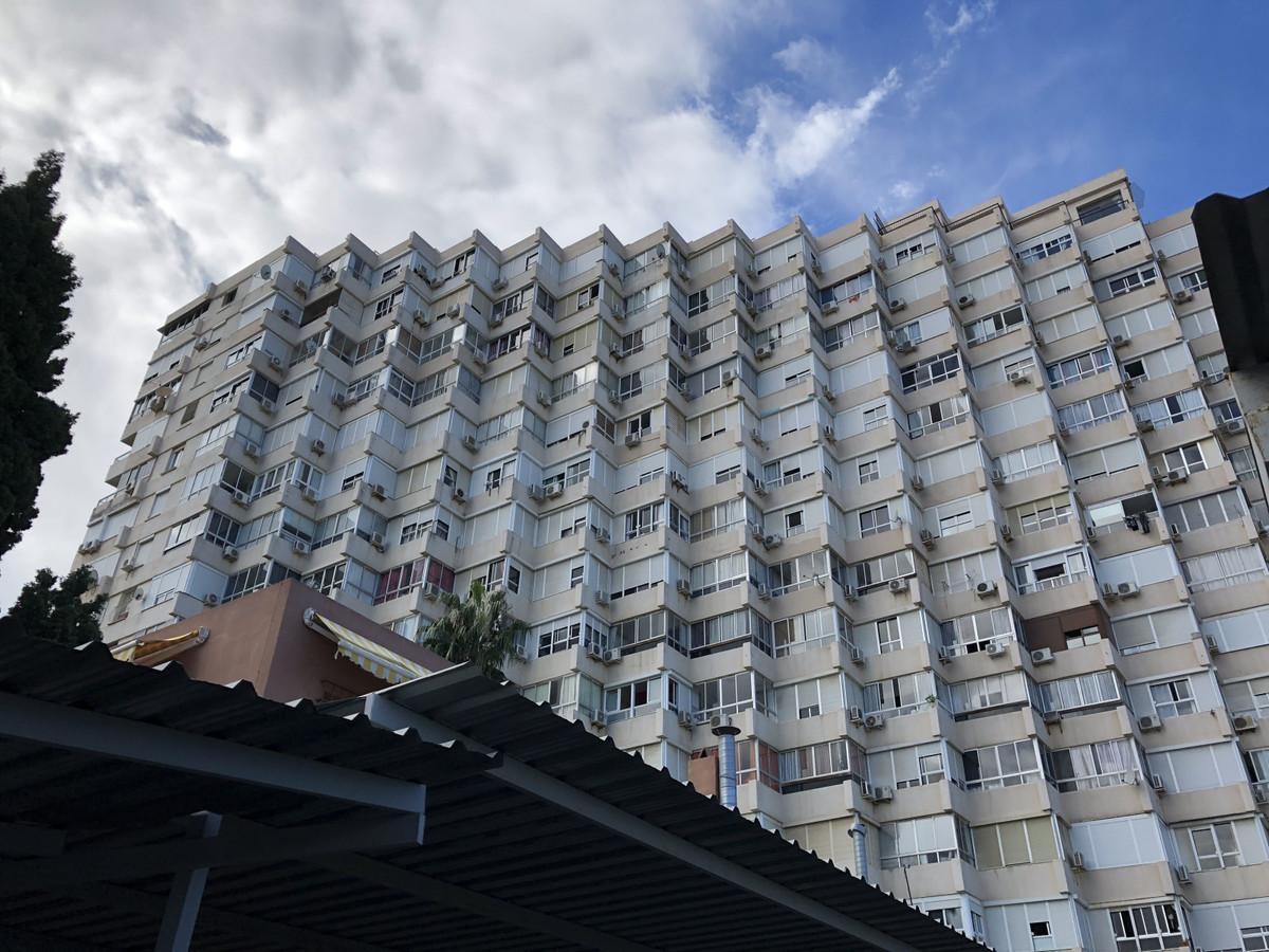 Apartamento Planta Media 1 Dormitorio(s) en Venta Torremolinos