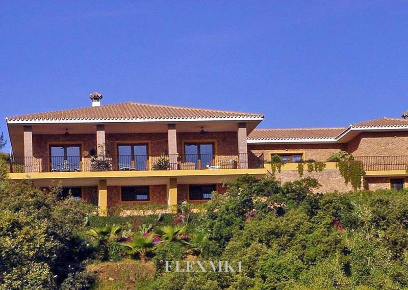 Villa for Sale in La Mairena, Costa del Sol
