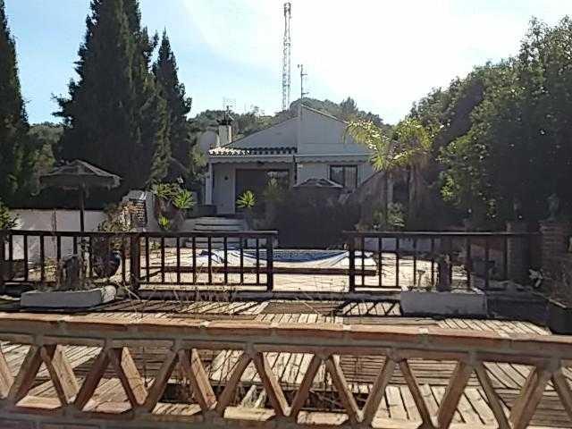 Villa 3 Dormitorios en Venta Monda