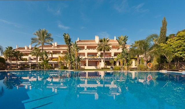 {lng_property_type_}, Nueva Andalucía, 825.000