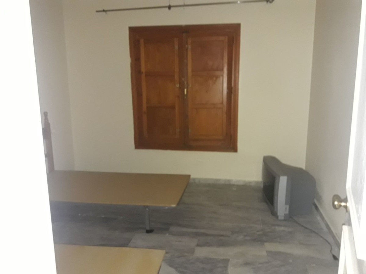Apartamento con 4 Dormitorios en Venta Manilva