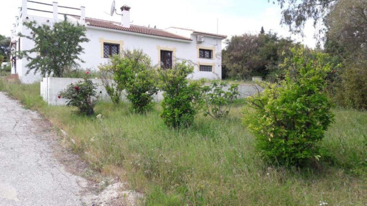 Detached Villa in Alhaurín el Grande R3447028