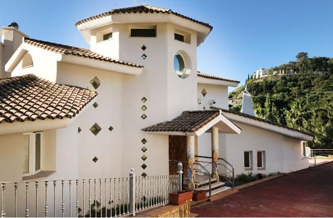 Villa in Los Almendros