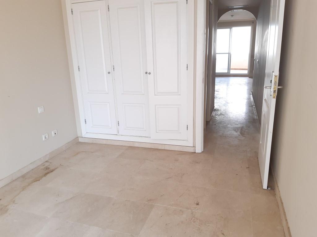R2594747: Apartment for sale in La Duquesa
