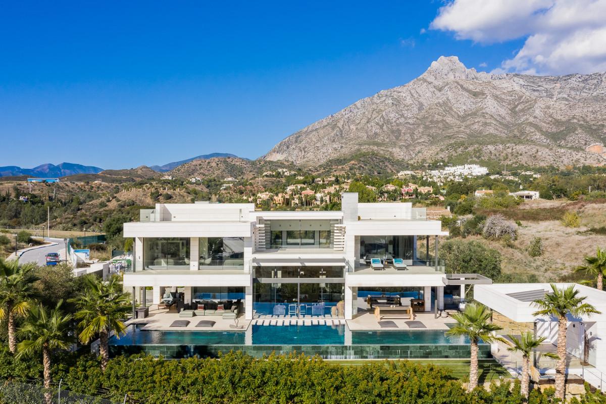 Luxury Villa  W/  Spectacular Sea Views  Ideal Location, close to the Beach  LOW LEVEL: KITCHEN DINN,Spain