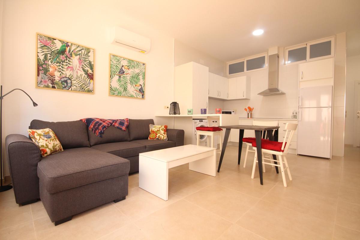 Apartamento, Planta Baja  en venta    en Marbella