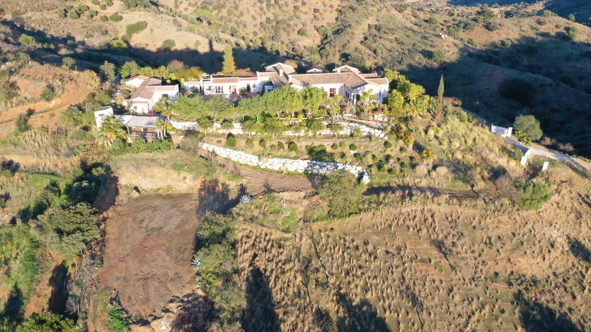 12 bedroom villa for sale monda