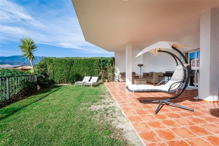 Apartamento  Planta Baja en venta  y en alquiler   en Istán