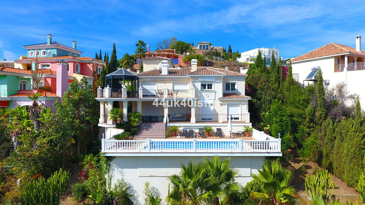 Fantastic Front-line Golf Villa in Elviria  Sauna, Gym, Sea views, huge wine celler  4 beds 4 baths ,Spain