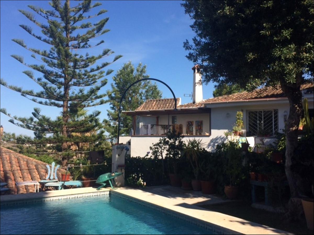 Freistehende Villa in Estepona R3616388