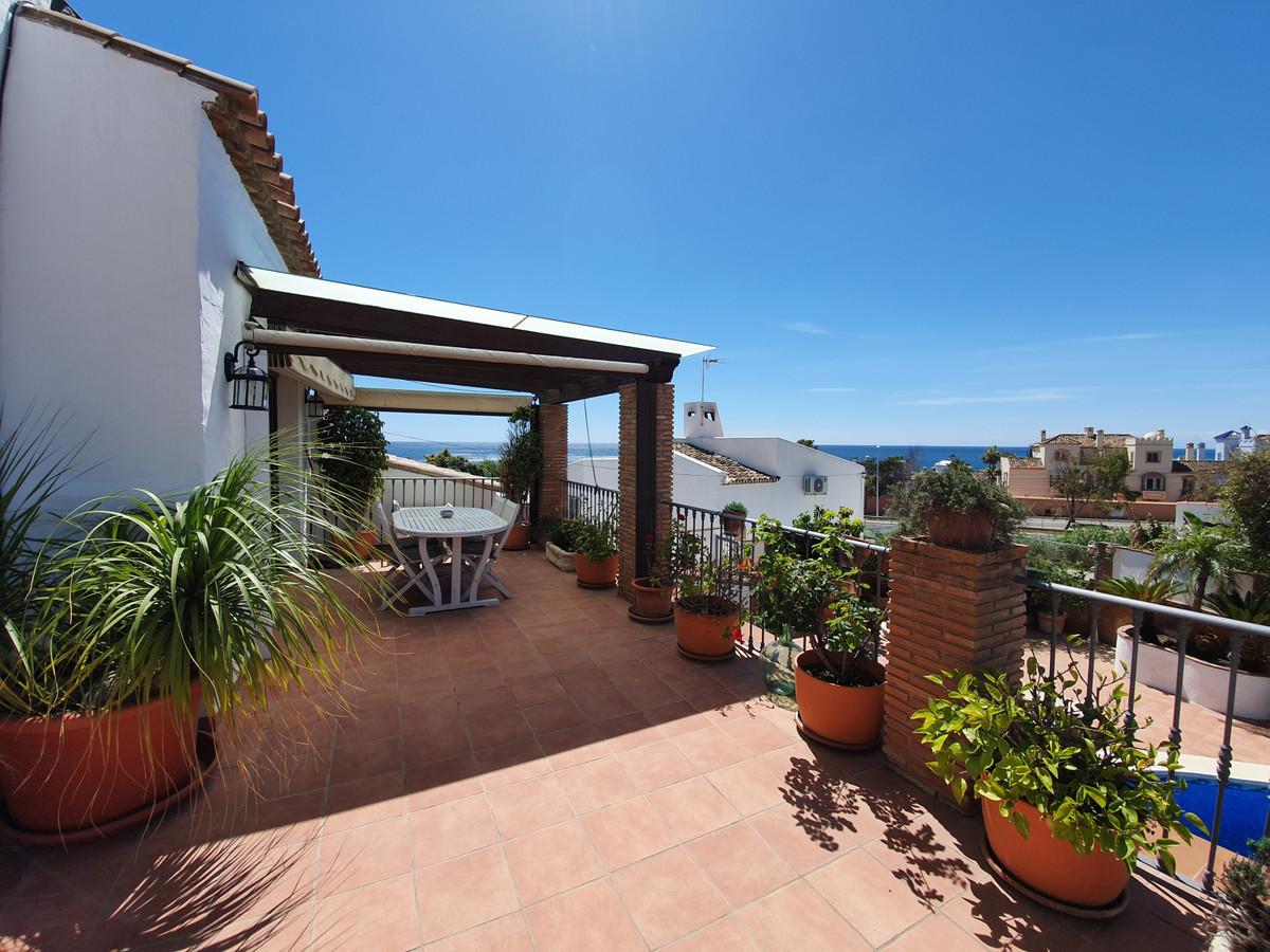 6 bedroom villa for sale casares playa