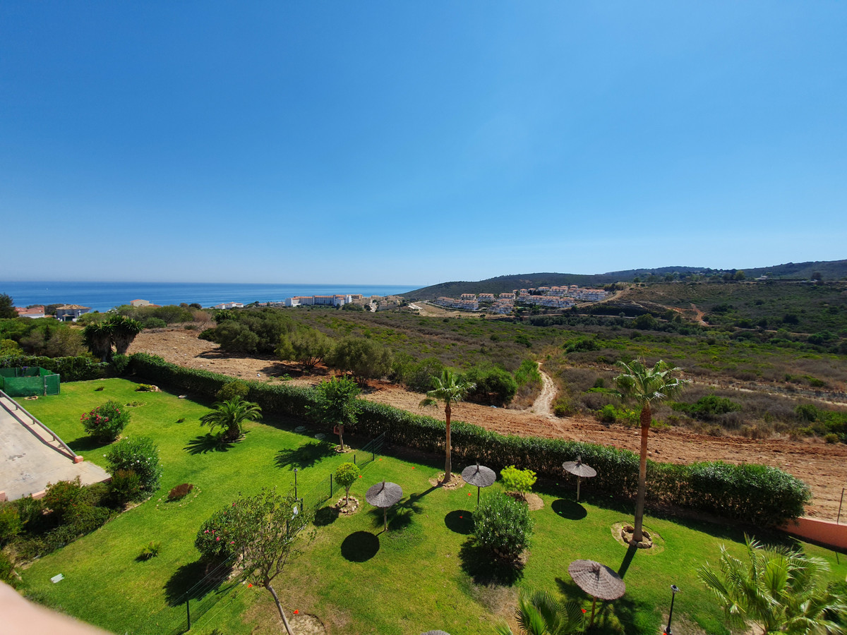 Another sweet deal here in Manilva. Now for sale, this gorgeous penthouse! Do you want outside space,Spain