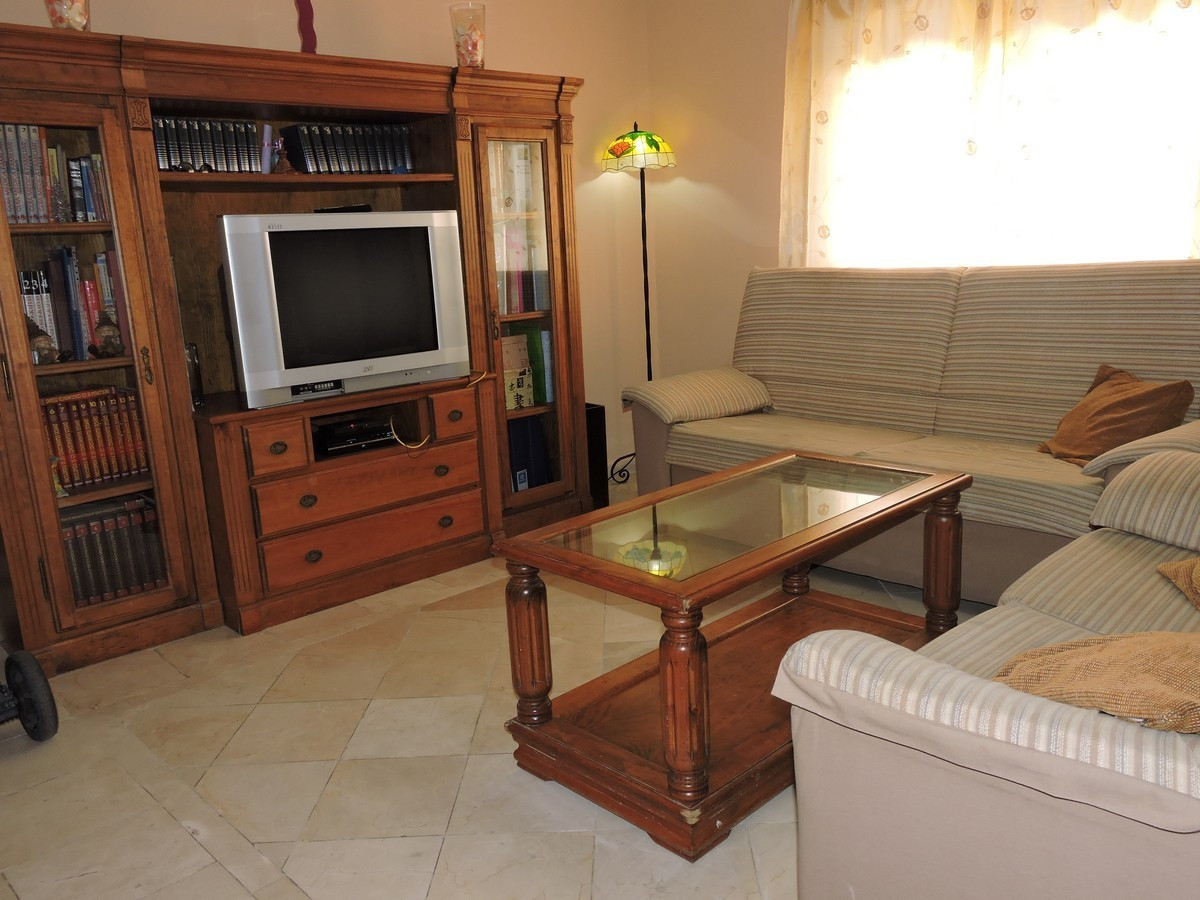 Unifamiliar con 3 Dormitorios en Venta San Luis de Sabinillas