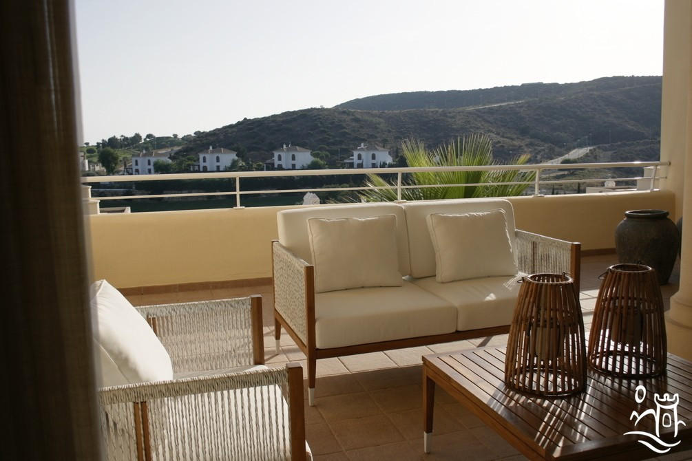This new 2 bedroom apartment (114m² built) has 2 large terraces (north & south), a fully fitted ,Spain