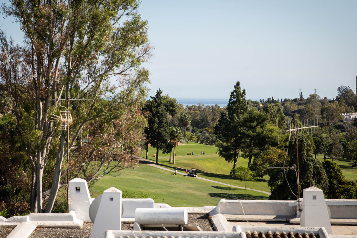 A very rare opportunity has arisen to own this beautiful spacious townhouse in one of the most iconi,Spain
