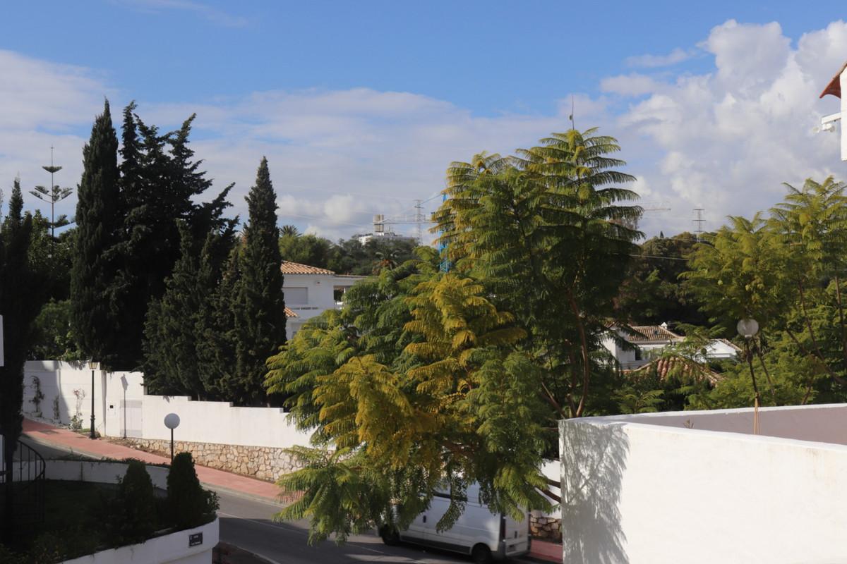 Apartamento con 3 Dormitorios en Venta Nueva Andalucía