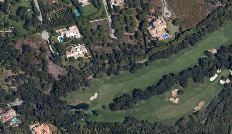 Exclusive plot of urban land 11,000m2 frontline golf in the prestigious Valderrama golf course, Soto,Spain
