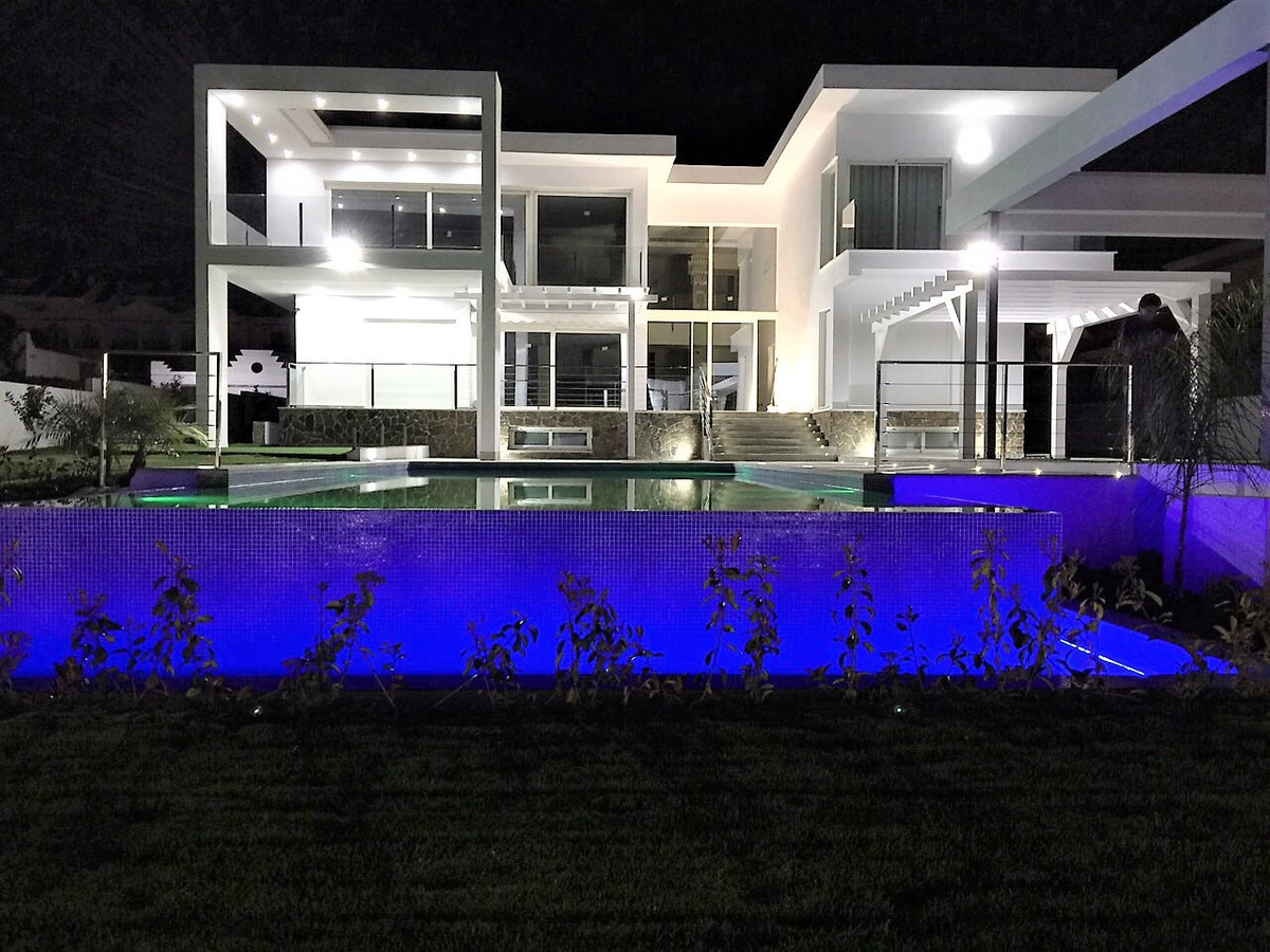 villa for sale nueva andalucia  marbella