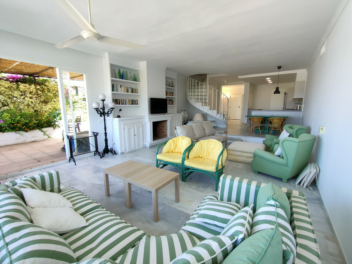 An excellent family home with space to breathe inside and out, light, bright entrance hall with gues,Spain