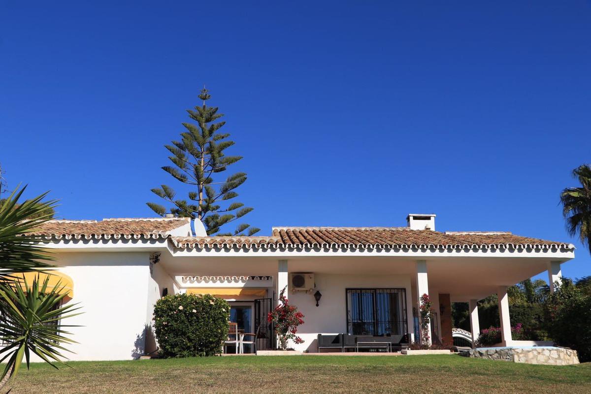 Villa 3 Dormitorios en Venta Calahonda