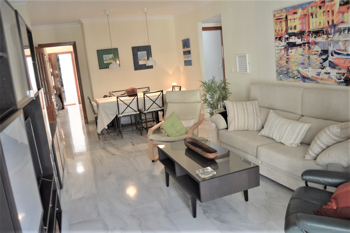 If you want a home on the beachfront with side sea views and of the promenade, ready to move in, thi,Spain
