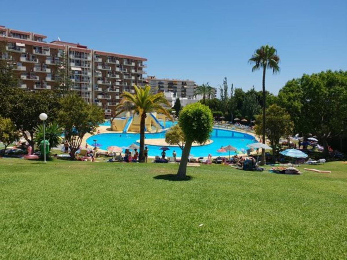 For sale, Benalmadena Costa 4 minutes walk to the beach. Jupiter urbanization, 24-hour reception, la,Spain