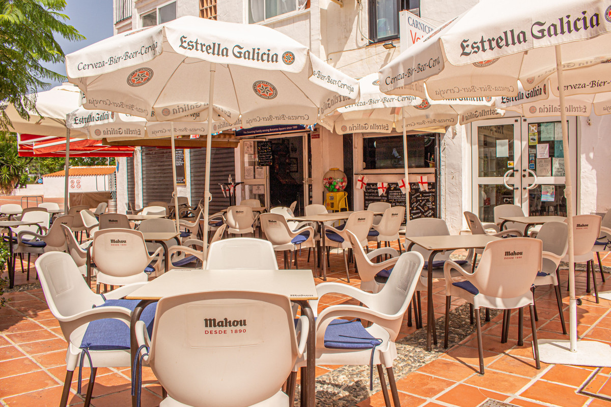 This excellent and well established drinks bar is located in the heart of Bonanza square with a larg,Spain
