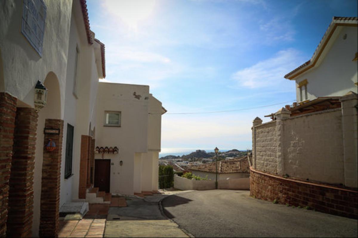 2 Bedroom Townhouse For Sale, Benalmadena Costa