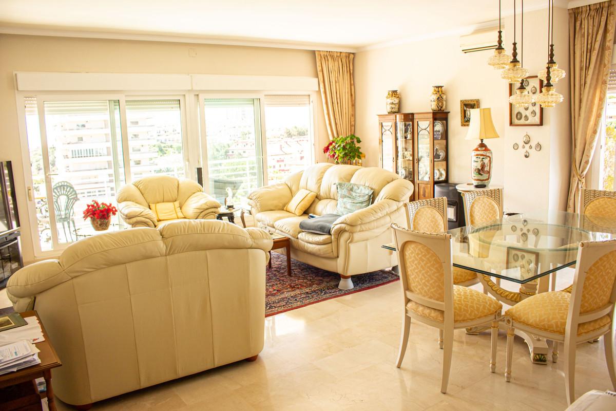 3 Bedroom Middle Floor Apartment For Sale Benalmadena Costa