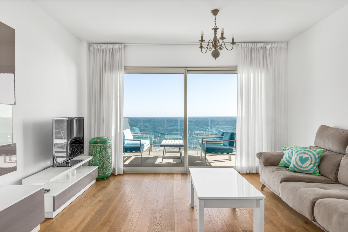 Middle Floor Apartment, Mijas Costa, Costa del Sol. 4 Bedrooms, 2 Bathrooms, Built 163 m², Terrace 3,Spain