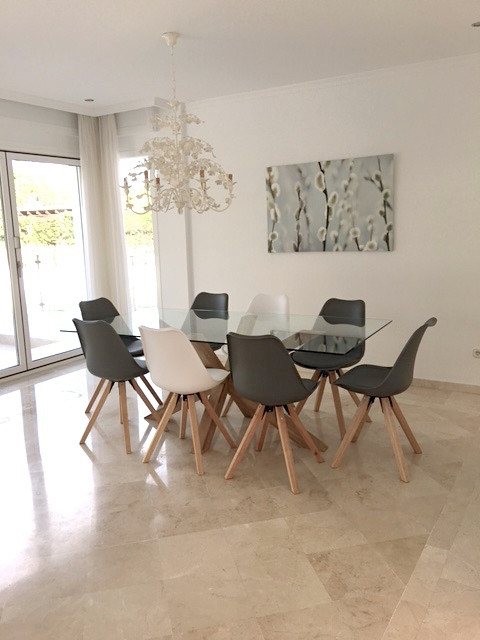 5 Bedroom Villa for sale Nueva Andalucía