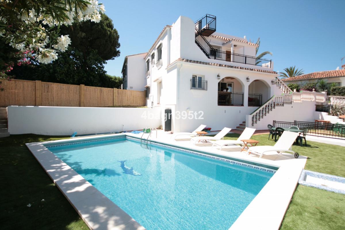 This four bedroom villa is in a great location near to La Cala de Mijas. The villa has been renovate,Spain