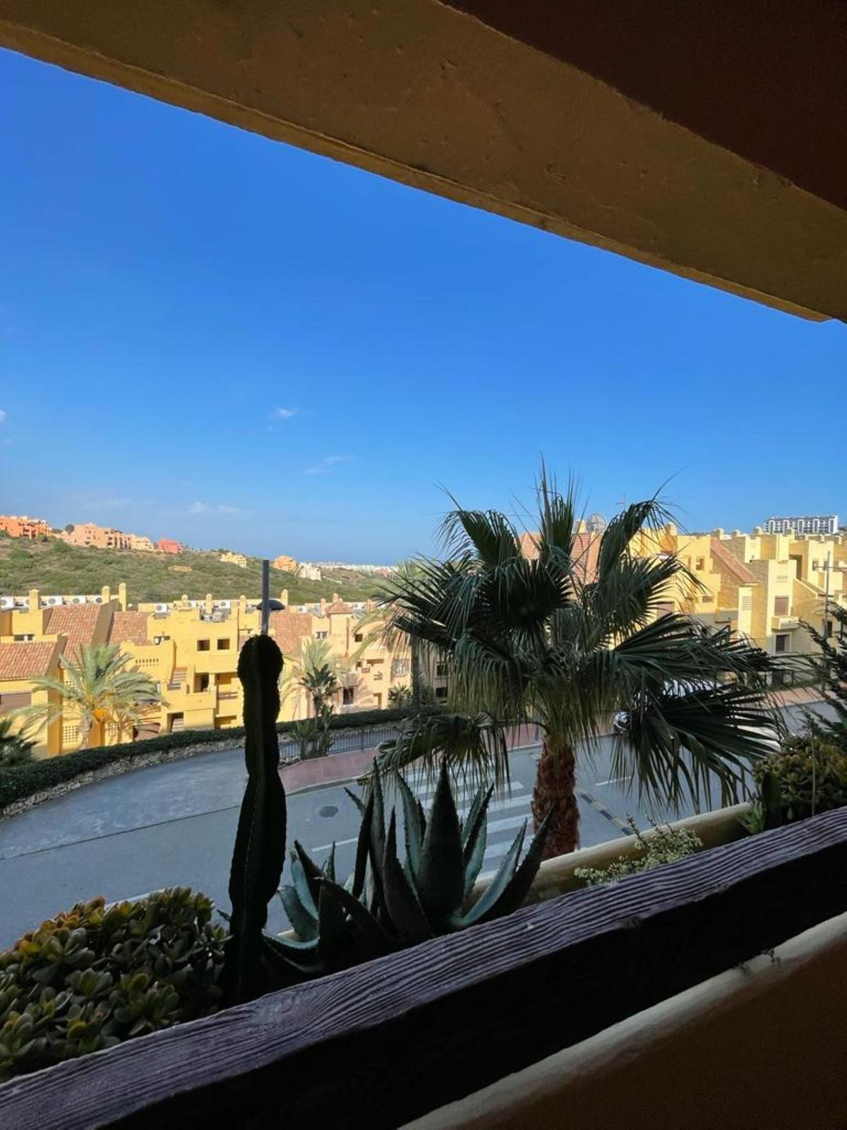 Middle Floor Apartment, La Duquesa, Costa del Sol. 2 Bedrooms, 2 Bathrooms, Built 95 m², Terrace 24 ,Spain