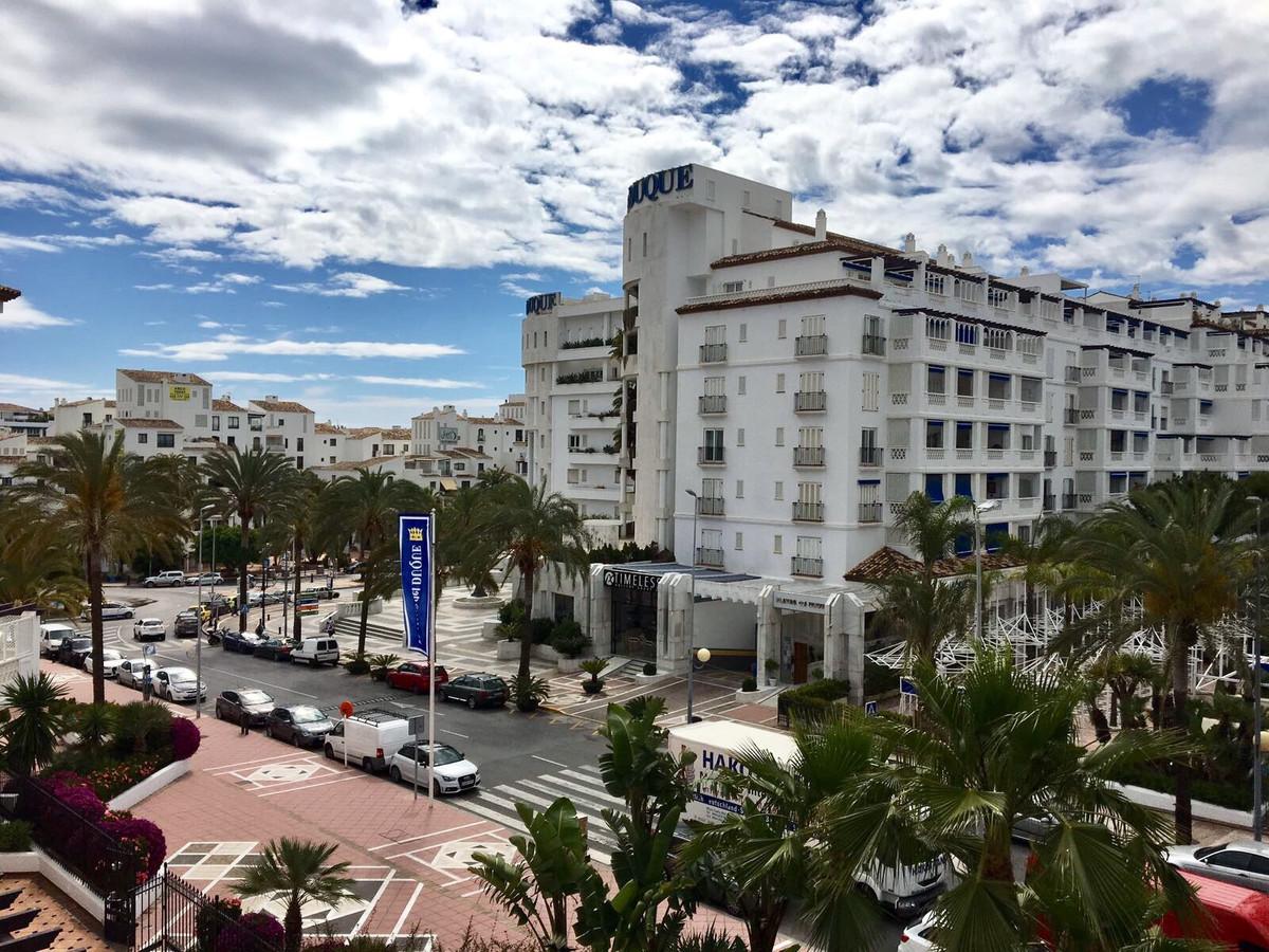 Lägenhet på mellanplan i Puerto Banús R2914391