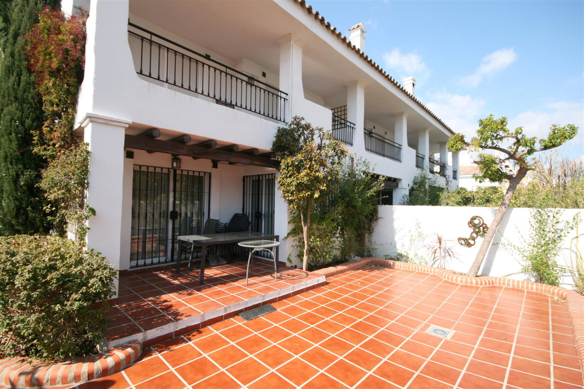 Townhouse, Nueva Andalucia, Costa del Sol. 3 Bedrooms, 3 Bathrooms, Built 154 m², Terrace 20 m², Gar,Spain