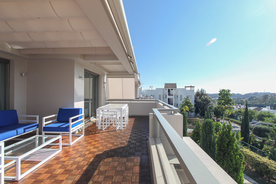 Fantastic three-bedroom, furnished en-suite apartment located within the gated, contemporary develop,Spain