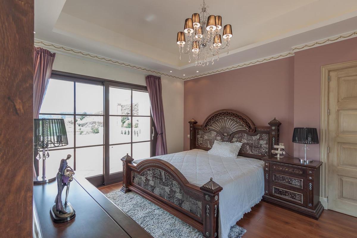 House in Benahavís R2538965 31