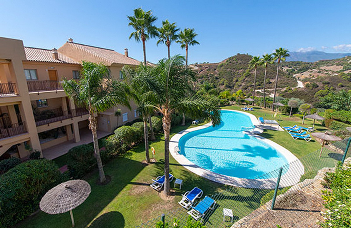 Ground Floor Apartment, Estepona, Costa del Sol. 2 Bedrooms, 2 Bathrooms, Built 102 m².  Setting : C,Spain
