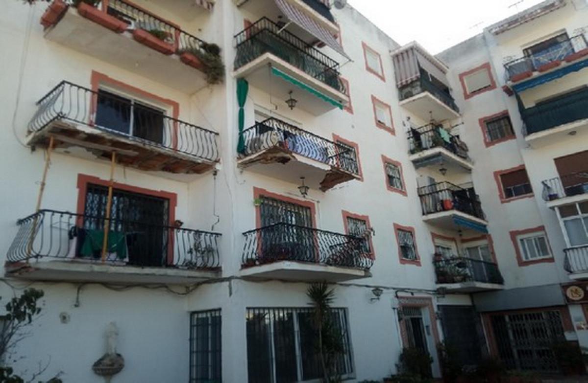 Middle Floor Apartment, San Pedro de Alcantara, Costa del Sol. 3 Bedrooms, 1 Bathroom, Built 90 m². ,Spain
