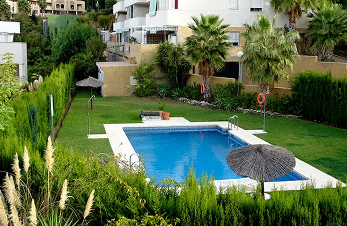 Middle Floor Apartment, Riviera del Sol, Costa del Sol. 2 Bedrooms, 1 Bathroom, Built 82 m².  Settin,Spain