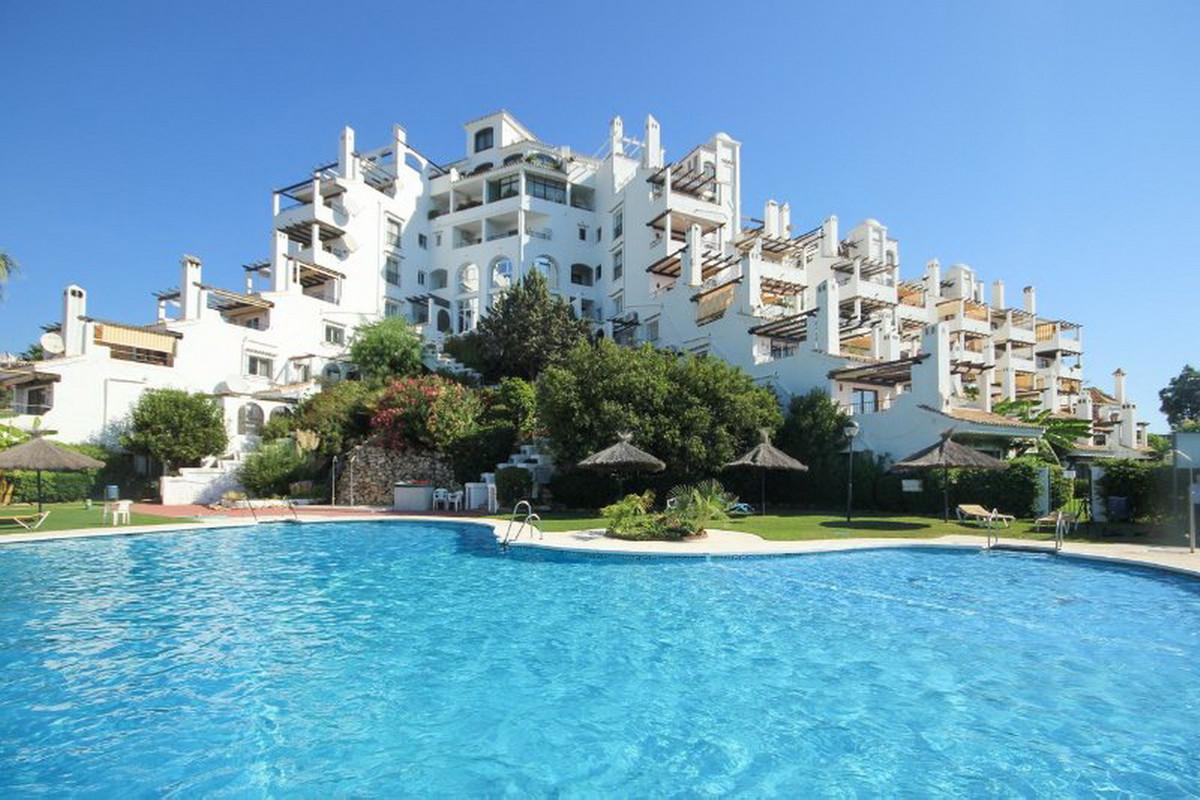 Ground Floor Apartment, Calahonda, Costa del Sol. 1 Bedroom, 1 Bathroom, Built 73 m².  Setting : Clo,Spain