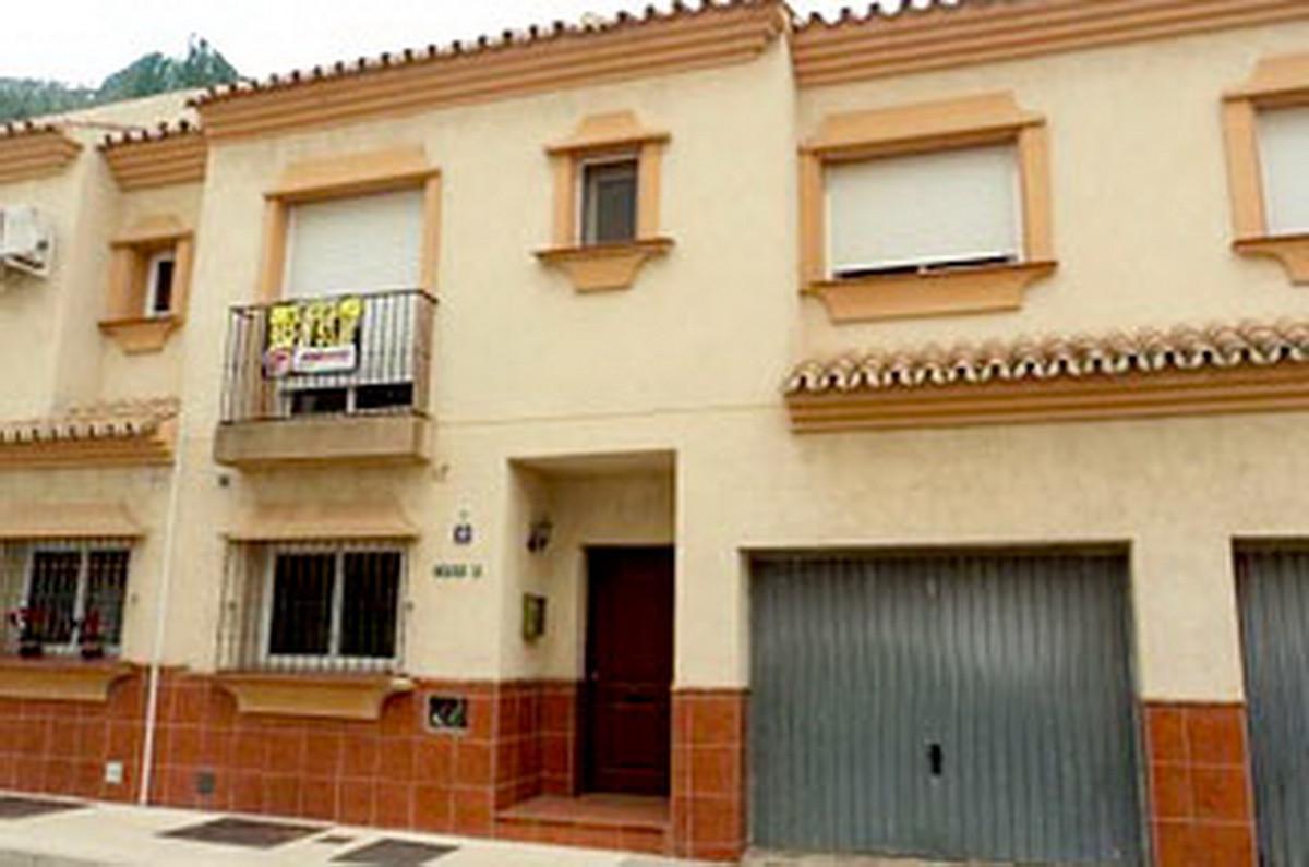 Townhouse, Las Lagunas, Costa del Sol. 4 Bedrooms, 3 Bathrooms, Built 178 m².  Setting : Close To Se,Spain